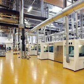sol usine panneaux photovoltaïques